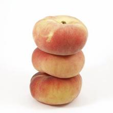 gepocheerde perziken met steranijs
