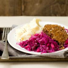 Pittig gehaktbrood met Hollandse rodekool en aardappelpuree