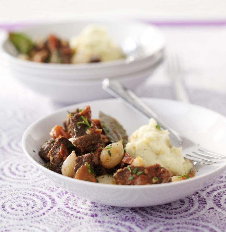 grieks stoofvlees met zilveruitjes