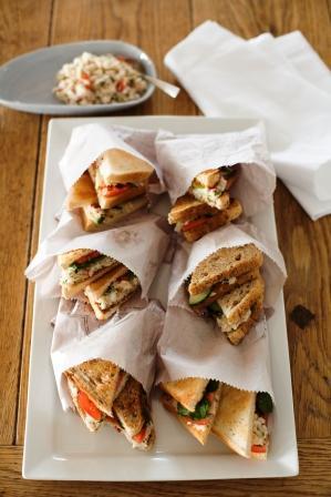 geroosterde sandwich met vissambal