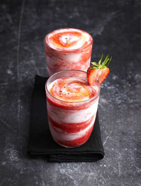 aardbei-yoghurtshake-delicious