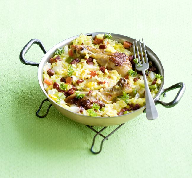 snelle paella met kip, chorizo en paprika