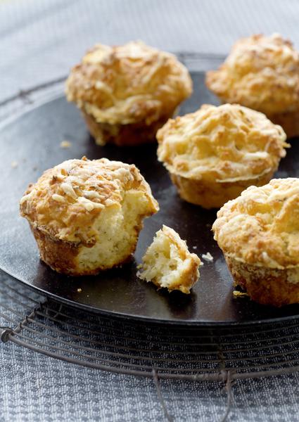 muffins met boerenkaas en komijn
