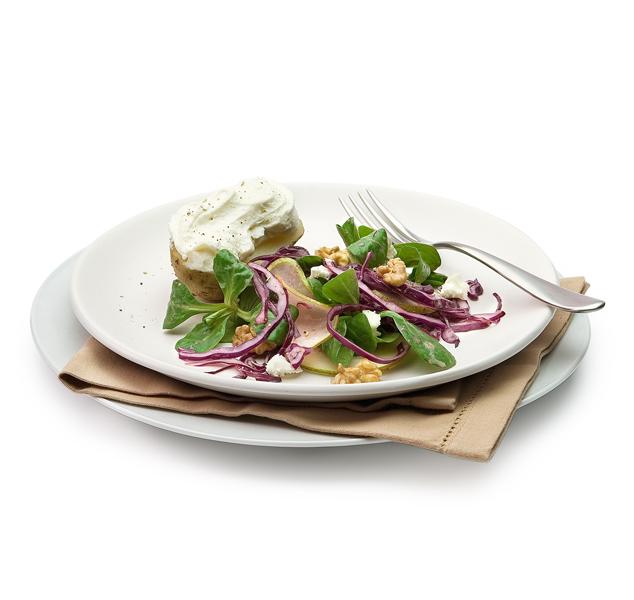 aardappels met geitenkaasroom en rodekoolsalade