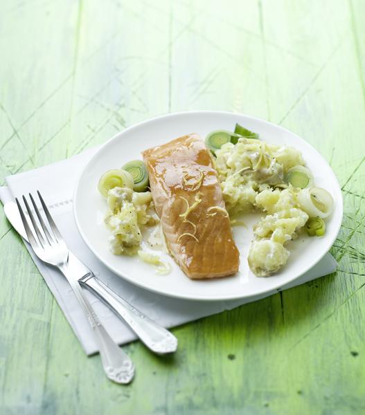 zalm met frisse roomsaus en aardappelen