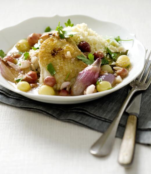 kip met druiven, gember, knoflook en couscous
