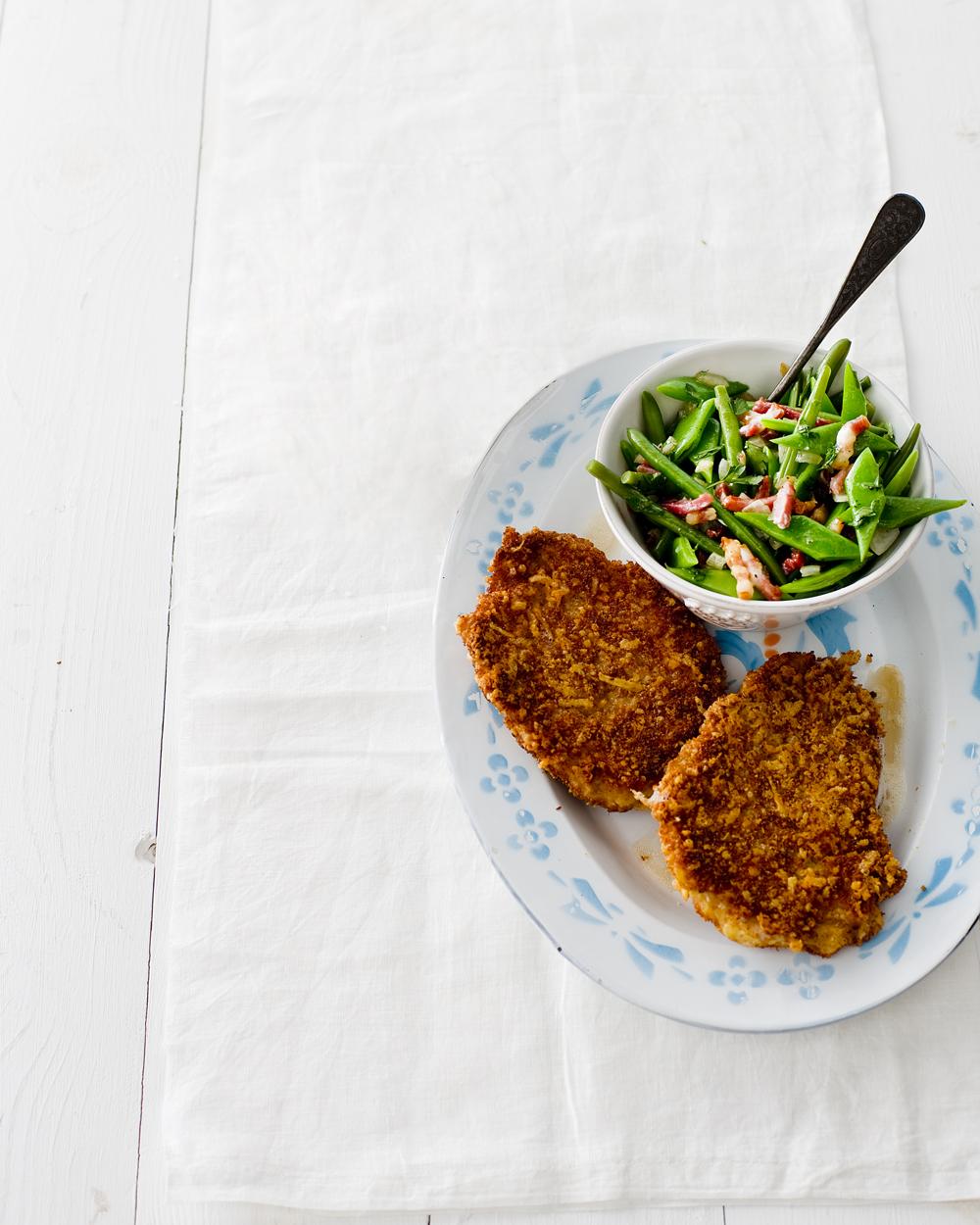 boerenkaasschnitzel met gemengde boontjes