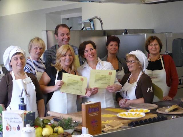 Harmke maakt pasta in Italië
