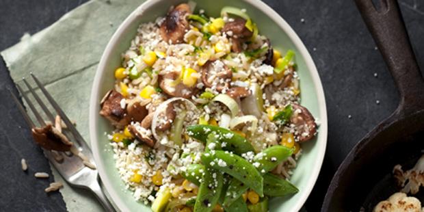 rijst met shiitake en geschaafde bloemkool