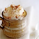 witte chocolademelk met kaneel | delicious
