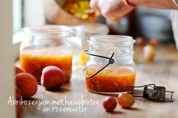 abrikozenjam met hazelnoten en rozenwater