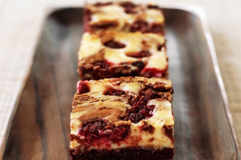 brownie met frambozencheesecake