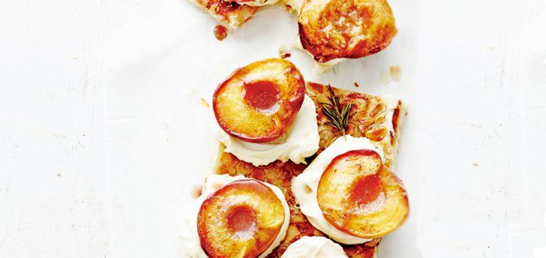galette met geroosterde perziken