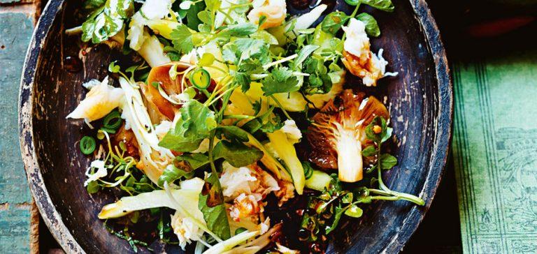 krabsalade met zwarte peper