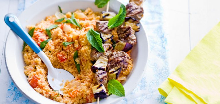 lamskebabs met aubergine en tomatenbulgur