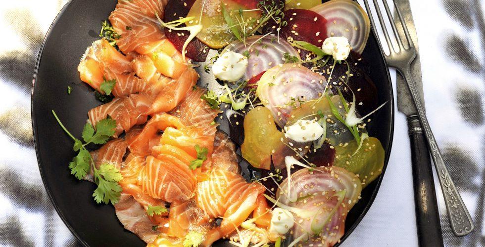 gravlax met koriander en bietensalade