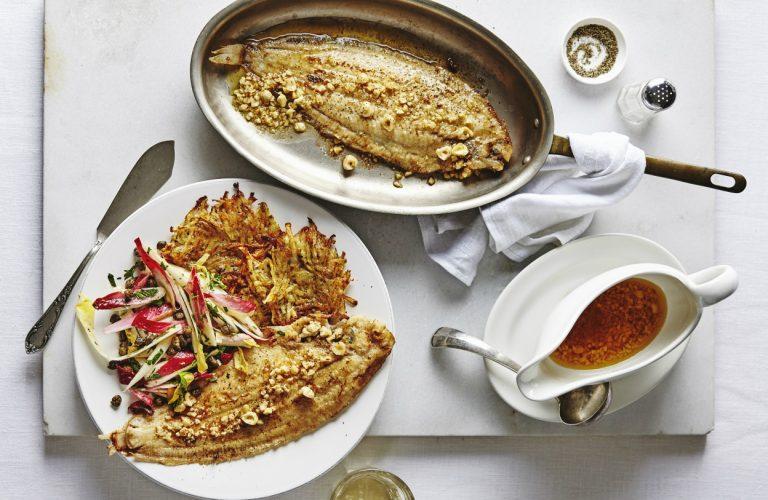 aardappelgalette met vis, beurre noisette en witlofsalade