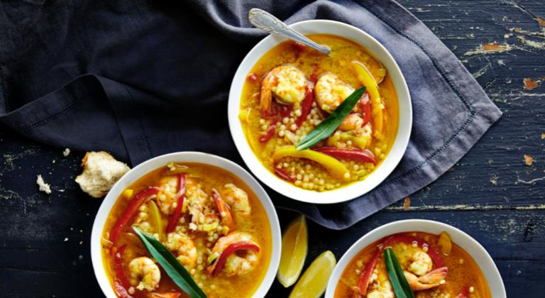 soep met garnalen, parelcouscous en prei