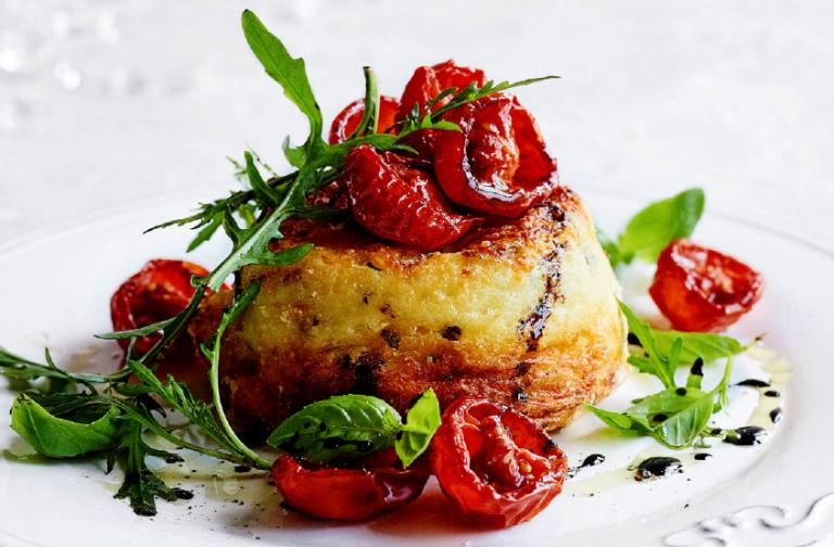 soufflé met gekaramelliseerde tomaatjes