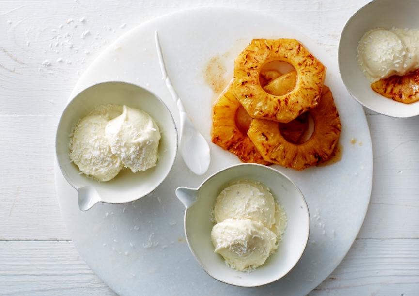 ijs van yoghurt, ananas en banaan
