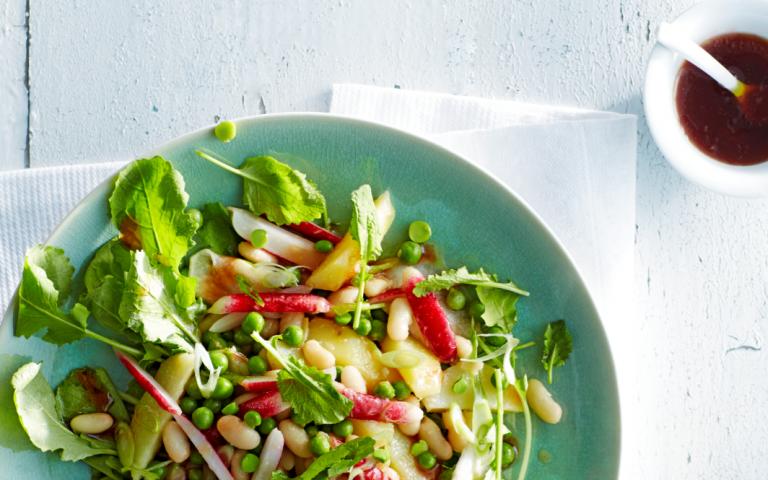 opperdoezer-salade met bonen en groenten