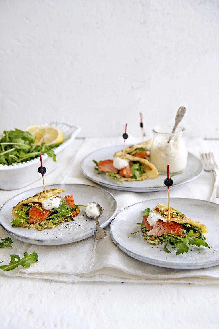 omelet met zalm en rucola
