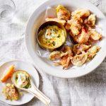 tempura met vijgen kakifruit geitenkaas - delicious
