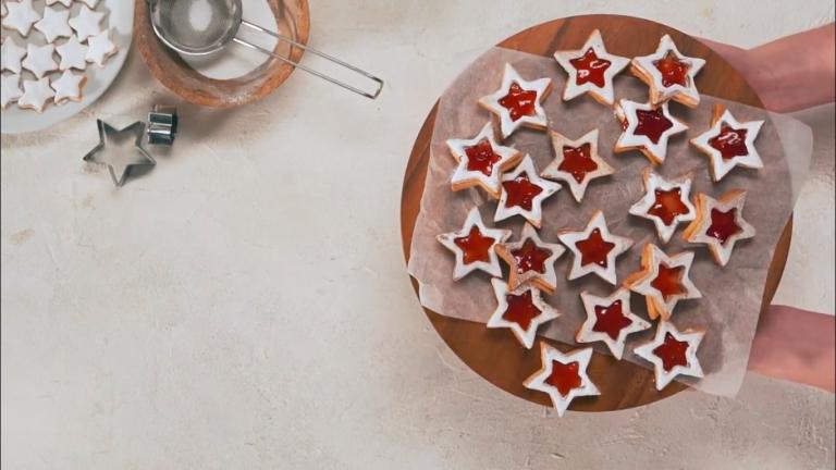 stervormige kerstkoekjes bakken