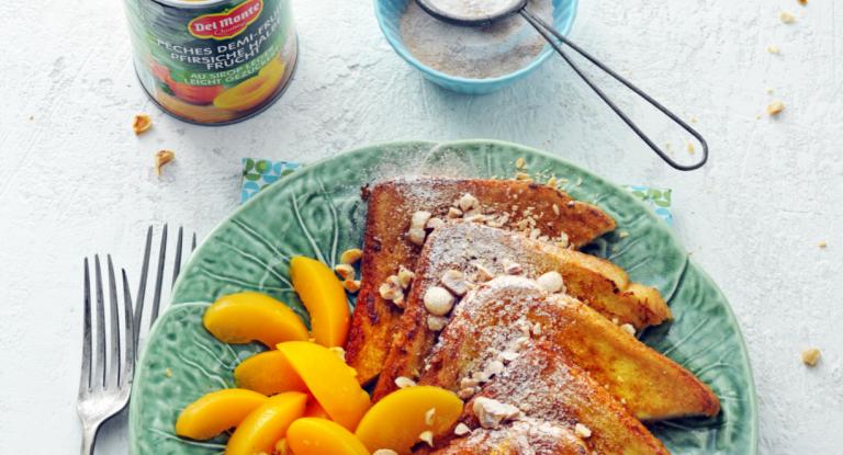 wentelteefjes met perzik en hazelnoot