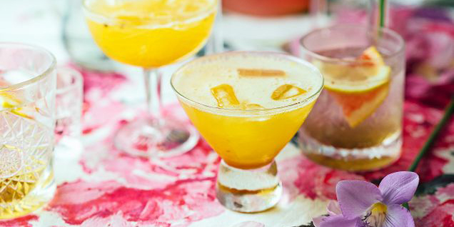 sinaasappelsiroop met koriander en ginger ale