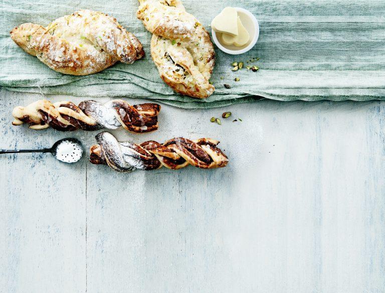 paasbroodjes metpistachespijs &nutella-gembertwisters