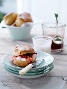 Scones met jam - delicious