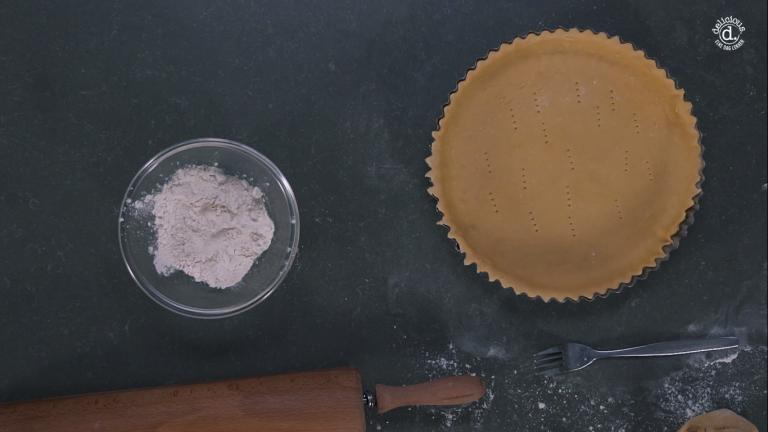 VIDEO: delicious. helpt vorm bekleden met deeg