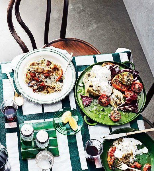 artisjokken-tomatensalademet radicchio en burrata