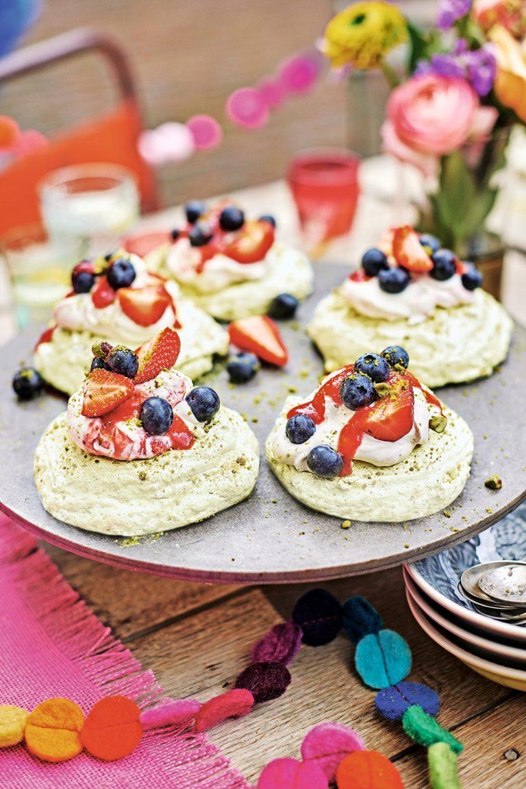 pistachemeringues met aardbeien- delicious