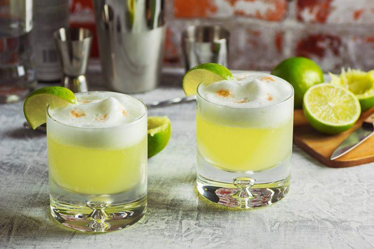 zo maak je een Peruaanse pisco sour cocktail