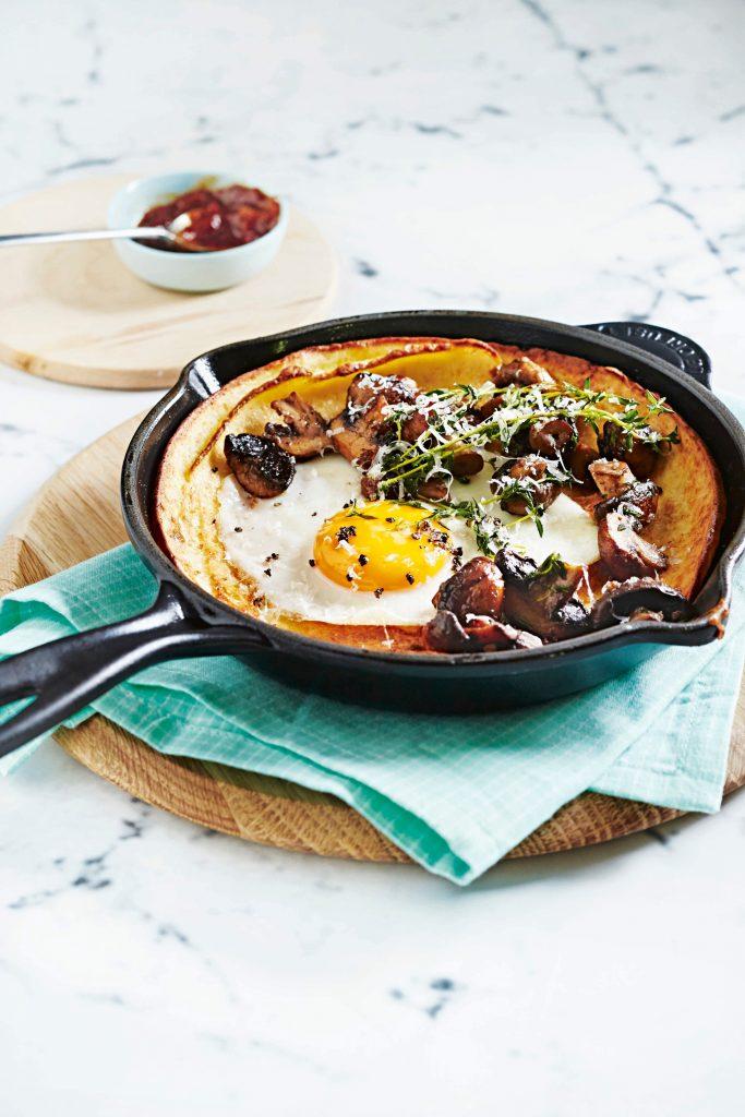 ovenpannenkoeken met ei en champignon | delicious