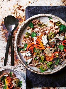 pastasalade met gegrilde perzik | delicious