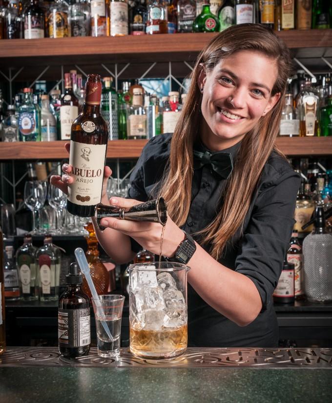 Tess Posthumus beste vrouwelijke bartender ter wereld