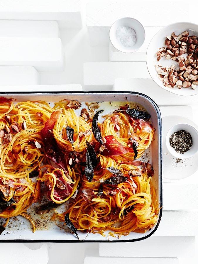 butternutspaghetti met rauwe ham en gebruinde boter