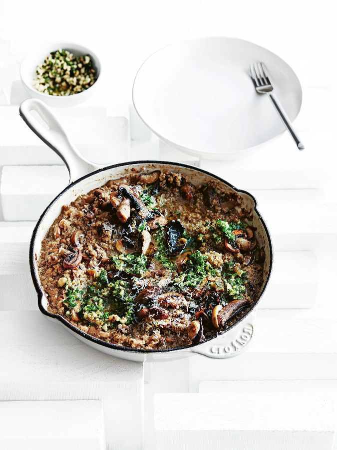 quinoa-risotto met paddenstoelen en hazelnotengremolata