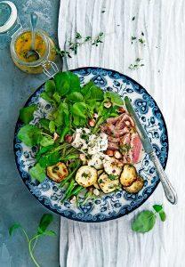 franse biefsalade met courgette en roquefort | delicious