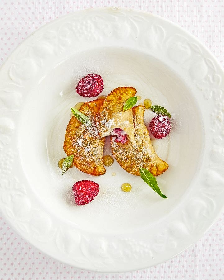 frambozen-ricotta-ravioli met verveine-groenetheesiroop