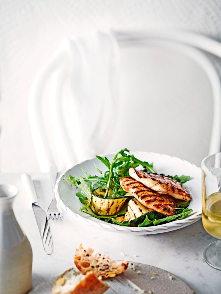 gegrilde kip met courgettesalade