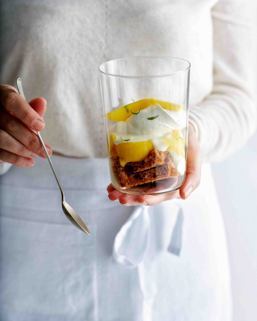 roomvla-gembertrifle met mango   delicious
