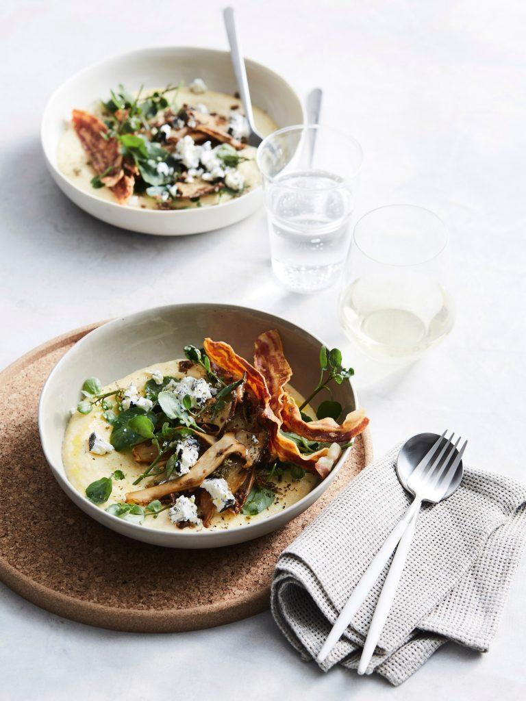polenta met oregano, paddenstoelen en pancetta