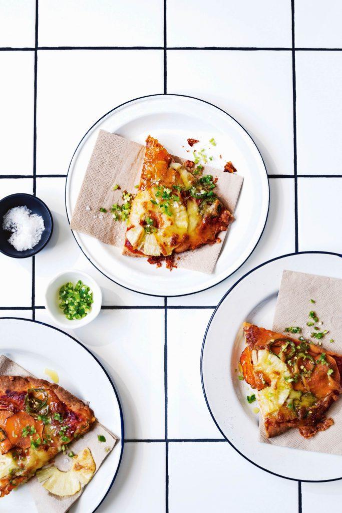 pizza hawaï met 'ham' van zoete aardappel