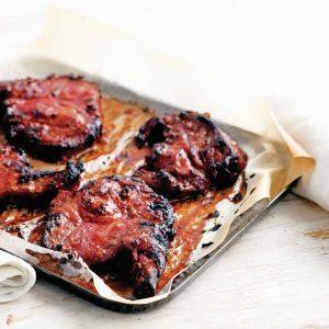 gestoomde broodjes met gegrild varkensvlees - delicious