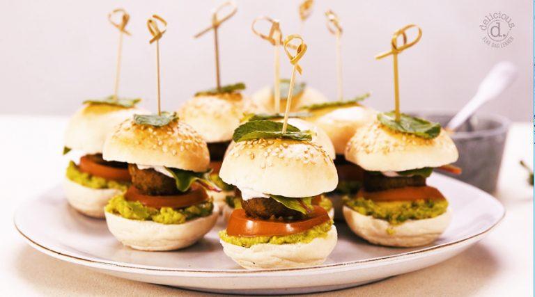 falafelburgers met tahinisaus en avocado