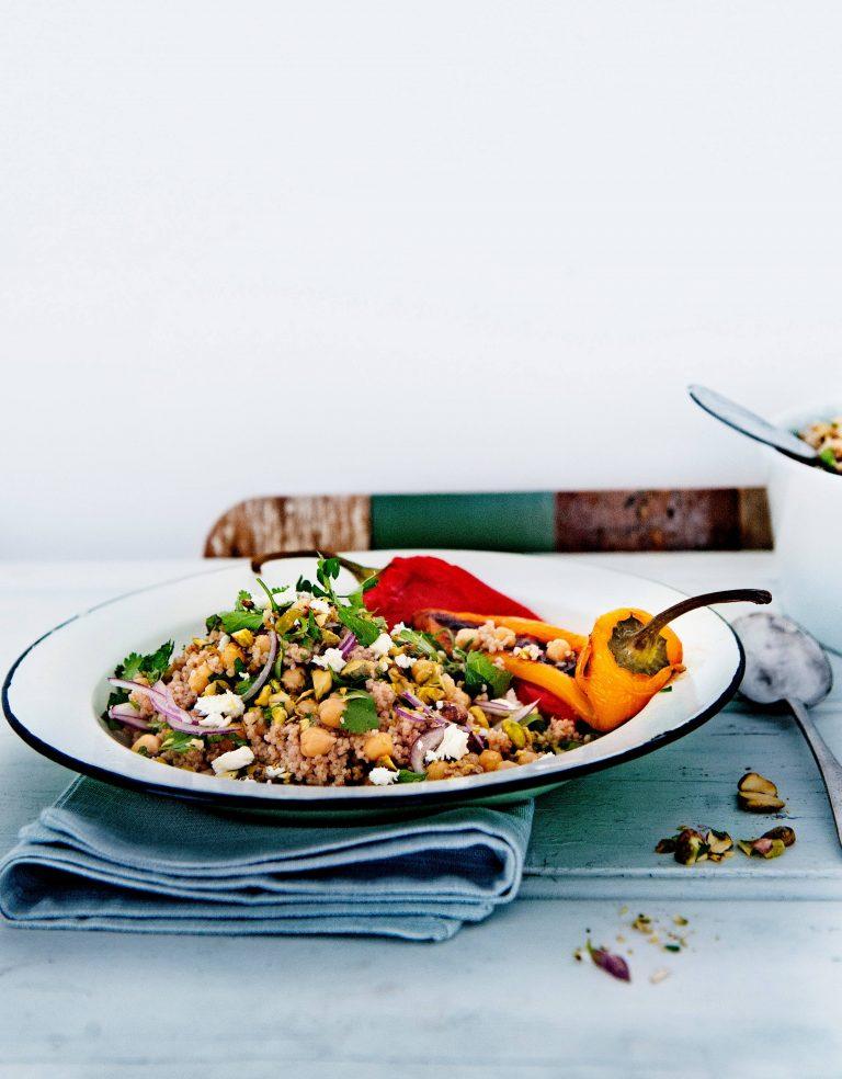 salade met speltcouscous, kikkererwten & feta